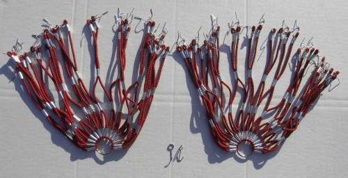 Retina paraveste, gomma, color rosso-nero marmorizzato