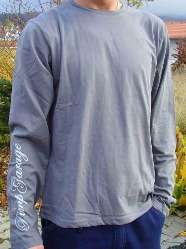 T-shirt grigia a maniche lunghe