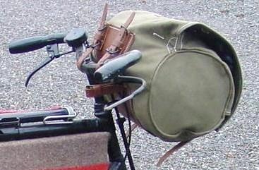 Portacappotto / Borsa da manubrio Classic come quella dell'esercito svizzero